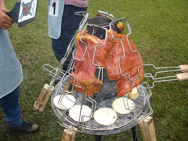 Asador para carne a la llanera on behance for Asadores de carne para jardin