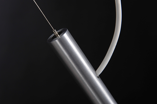 Glam suspended luminaires on industrial design served - Cable suspendu luminaire ...