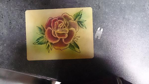 有創意感的33款玫瑰花刺青欣賞
