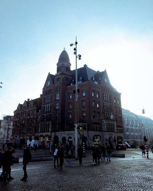 Travelling through Amsterdam - Digital