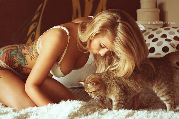 Go-Zone.ru - Мария и кошка
