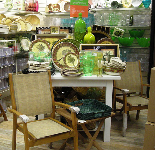 Visual merchandising work home decor and hard goods on for Home goods decor