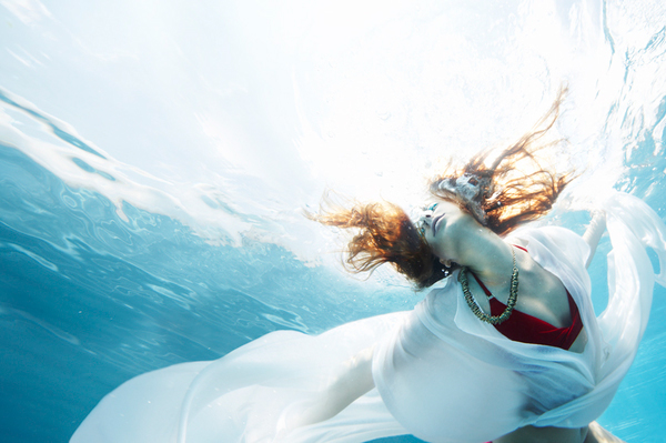 Underwater Fashion Photo Underwater Fashion Editorial