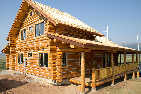 New Log Home Staining And Chinking