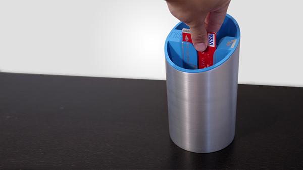 tip  jar  electronic  card  swipe  credit  pilot  testing dipjar  dip  tip