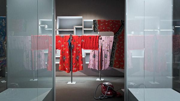 Exhibition  chinese museum Interior design wystawa muzeum sztuka art chińska krakow gablota concrete beton