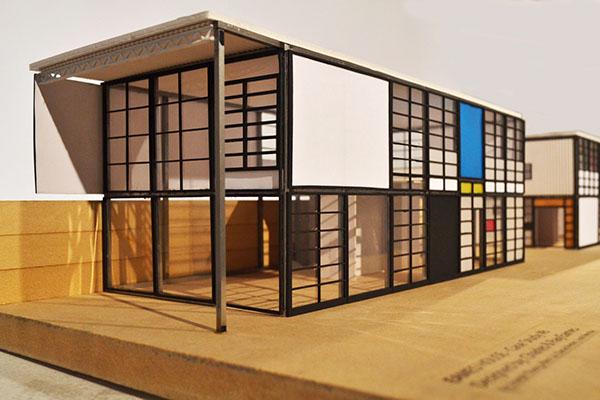 Eames house model