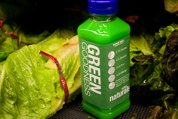 enviromental green juice wild natural banana carrot berry drink