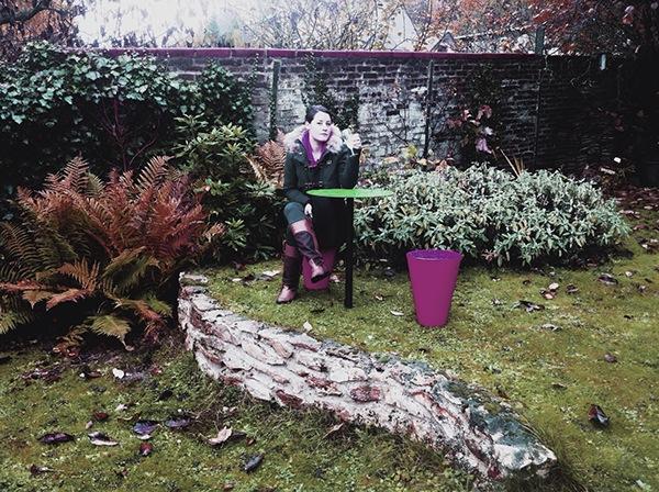 un dimanche dautomne dans le jardin salon de jardin ensemble tabourets table acier finitions couleurs sur demande - Salon De Jardin Mtal Color