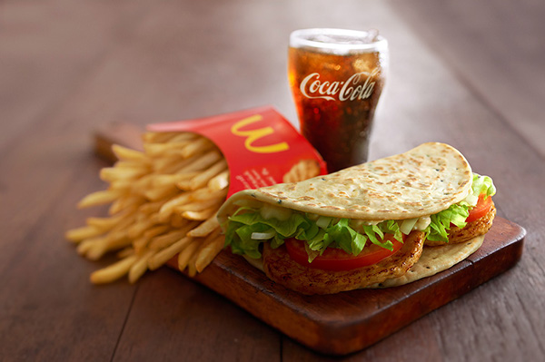 #mcdonald's #foodshot #chicken #wrap #foldover #foodporn #crave #healthfood #Campaign #Foodphotography