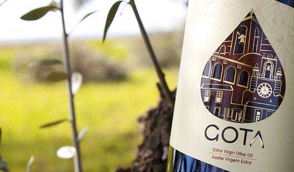 olive bottle gourmet Label premium oil Olive Oil gota brand Portugal alentejo olives traditional