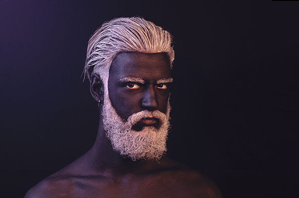 zeus barbe blanche noir Vieux White Beard black old man portrait white hair Face painting body painting face