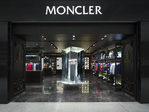 outlet moncler the mall
