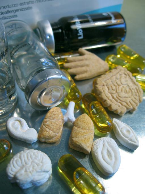 pills organs anatomy Drugs medicine photo
