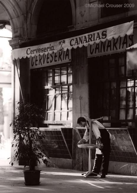 timeless,black and white,bw,Tri-x,motorcycle,waiter,italian,sin tiempo,spain,england,London,children