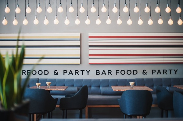Uno food party bar on behance for Bash bash food bar vodice