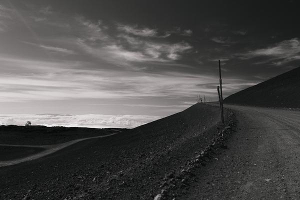 Manua Kea big island HAWAII b&w black and white 4205 m 13.803 feet white mountain