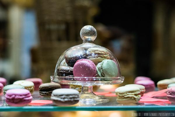 paris-ville lumiere-macarons