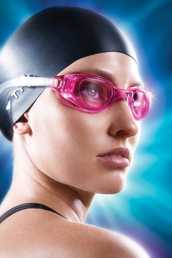 Рекламные фотографии пловцов для TYR - компании по изготовлению экипировки и аксессуаров для плавания.