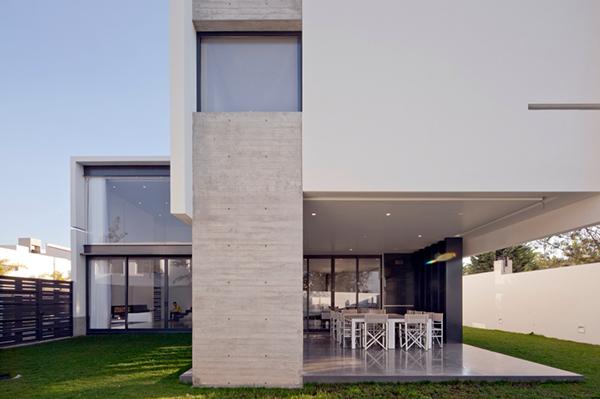 Casa rx on behance - Casas estrechas y largas ...