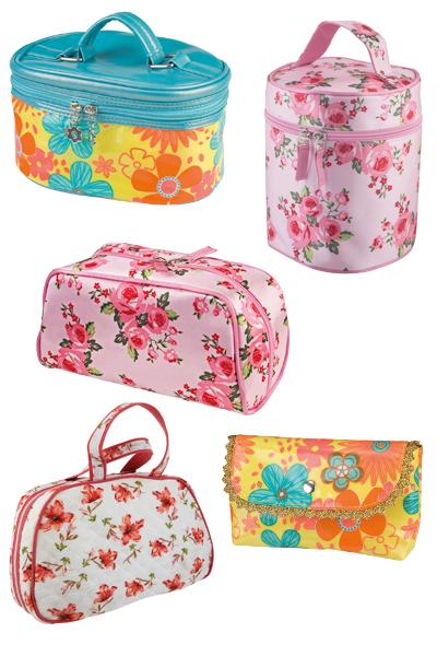 b80f233b10eca Makyaj Çantaları - Kozmetik Çantaları on Student Show