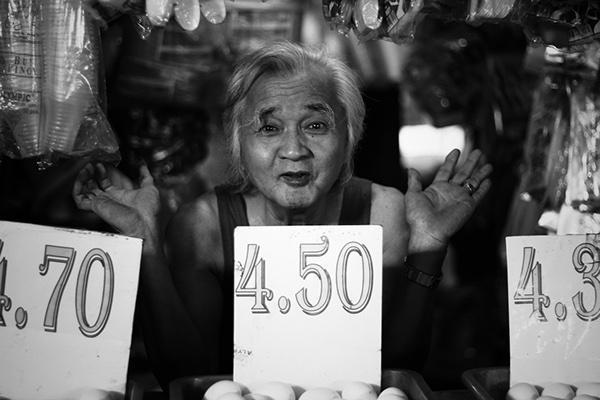 black and white b&w philippines Calamba Jeff Mendoza Wet Market market Marketplace Palengke filipino Canon