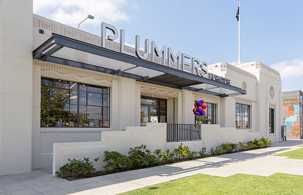 Plummers Furniture Redesign. Branding, Graphic Design, Typography