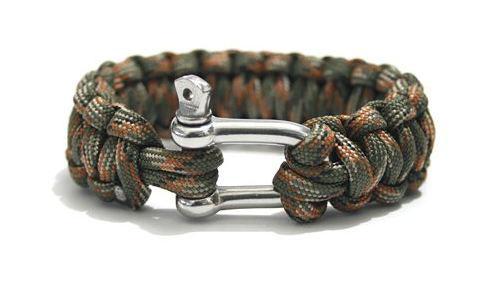 Paracord projects on behance for Things you can do with paracord