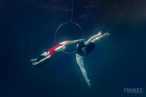 underwater Circus Lyra bubbles floating levitation Pool brett stanley