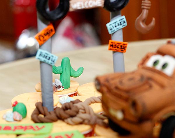 Tow Mater Cupcake Ideas