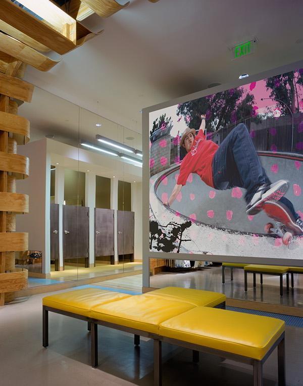 Quiksilver Young Men's Interior Store Design by Clive Wilkinson  fae3d79b3f80d97259ed0a25c6426e5e