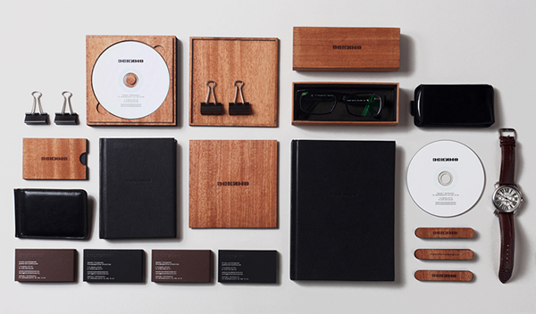 Они используют стиль минимализма и уделяют много внимания материалам и технологиям производства.