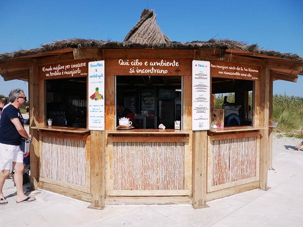 beach bar Fruit vegetable sea torre guaceto natural reserve