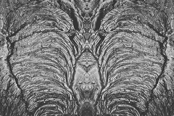 rorschach matphotograph photo symmetry black White symetrie noir blanc Nature montagne mountain ladnscape skull illusion