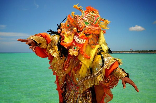 the caribbean carnival fest essay Caribbean africa  puerto rico holidays and festivals  year with puerto rico holidays like carnival in february taking over the streets or the.