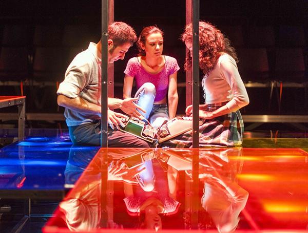 plexiglass dot istanbul Turkey ypsilontasarim ypsilon tasarim Theatre STAGE DESIGN