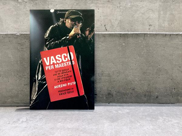 VASCO Vasco Rossi rossi book editore editoria sound rock rock band band black red graphic design art