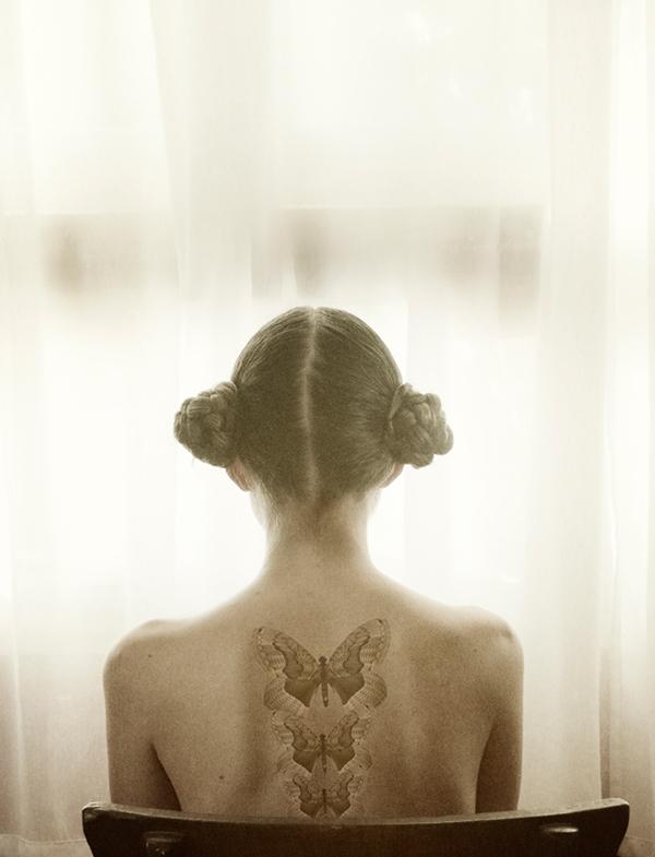 vintage  Frida  kahlo  cande  rivera  window  ventana  mariposa  volar  luz   sentimiento