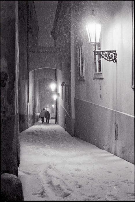 prague neige  Snow black and white traditional photography