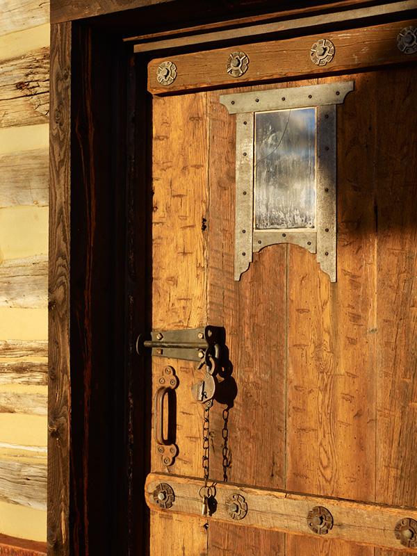photographer Colorado Commercial photographer Loey's Cabin