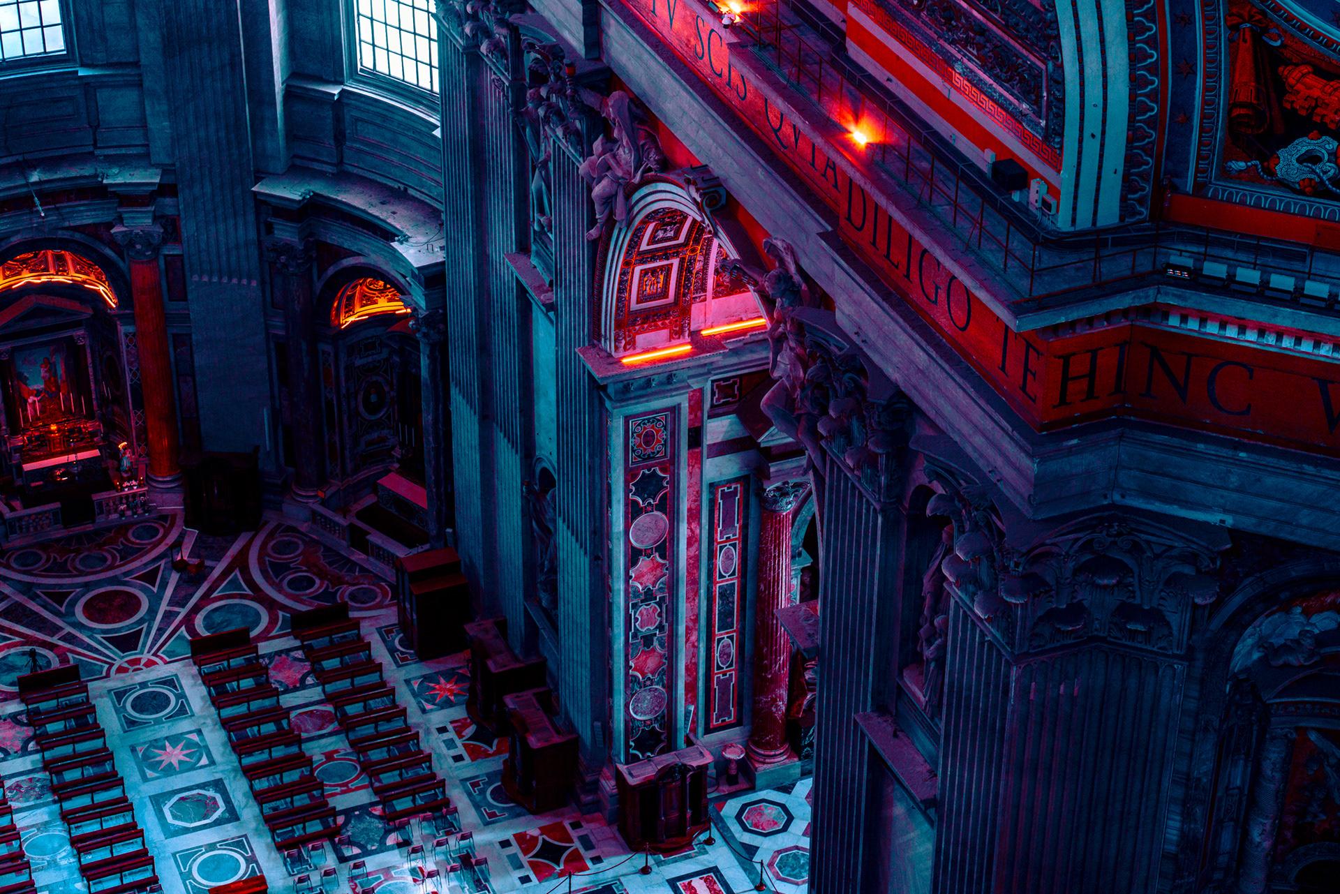 Red Lights : Vatican