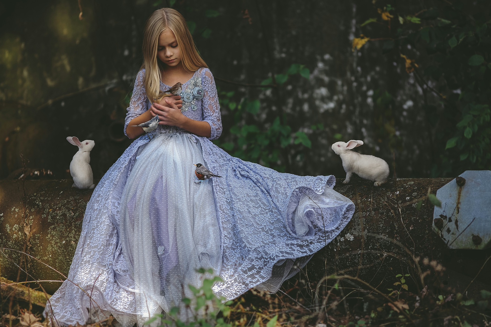 Картинки девушек в маленькой одежде