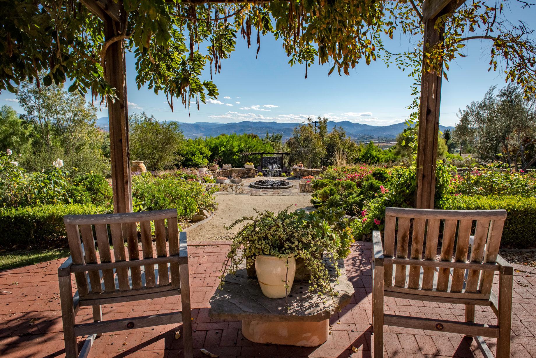 Joseph Beebe San Diego Home Garden Magazine June 2016