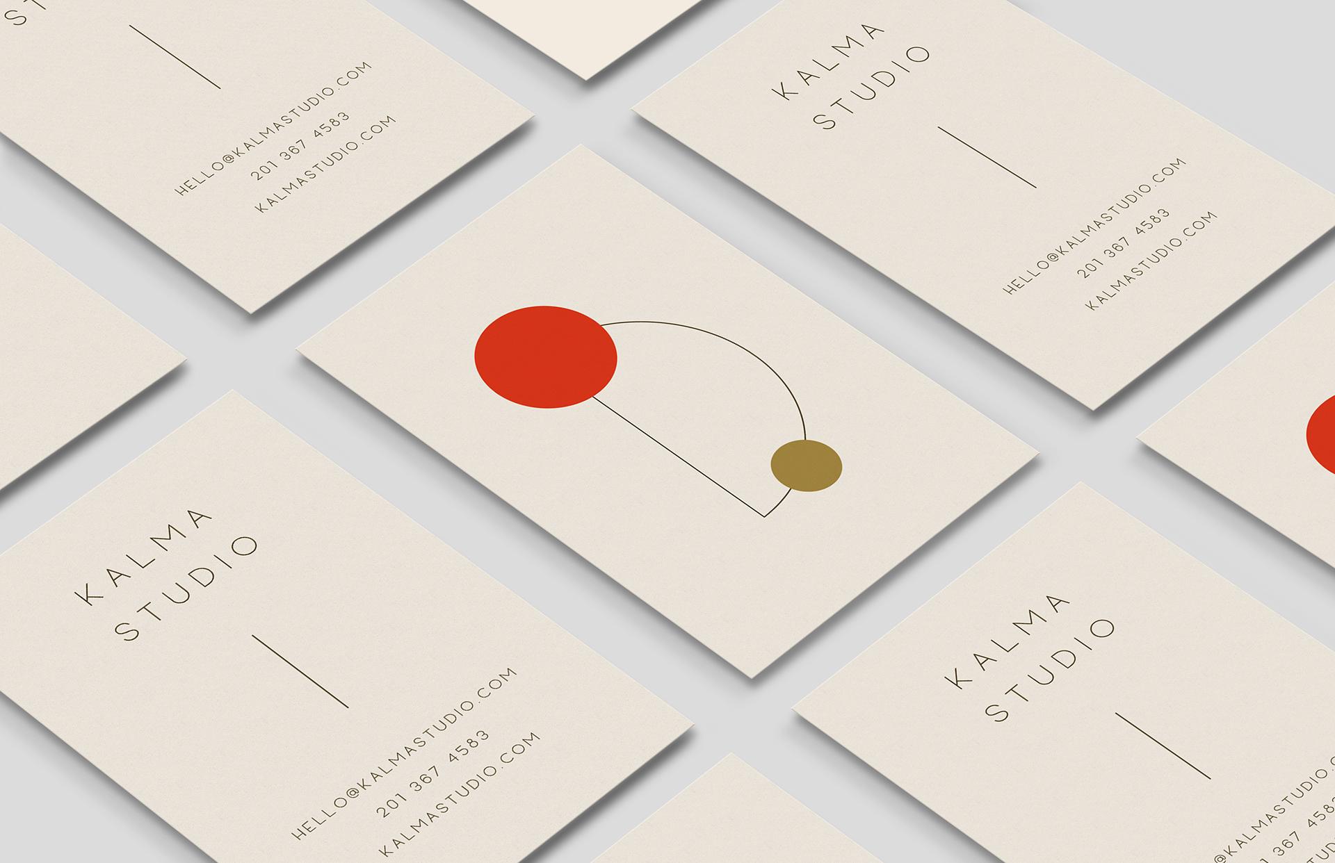 Mẫu thiết kế danh thiếp cực kỳ đơn giản của designer Veronika DesignLoockStudio