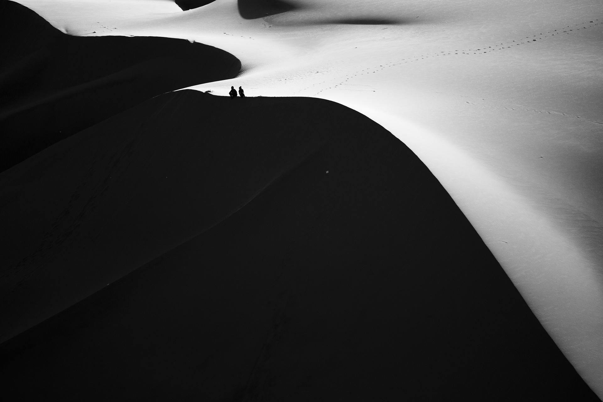 Black & White Photography: Exploring Huacachina Lines