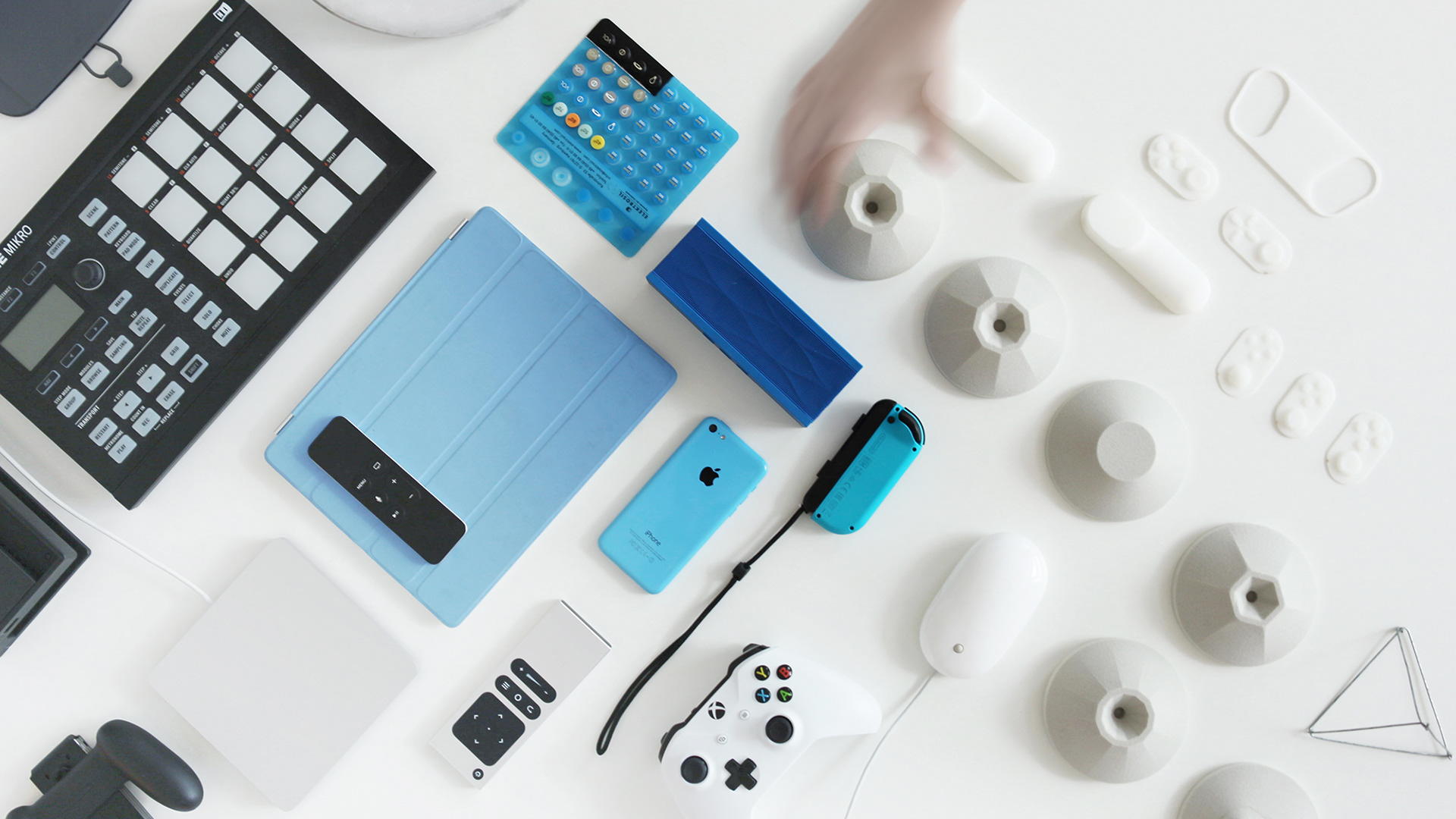 Industrial Design: PLAY, an innovative gaming kit