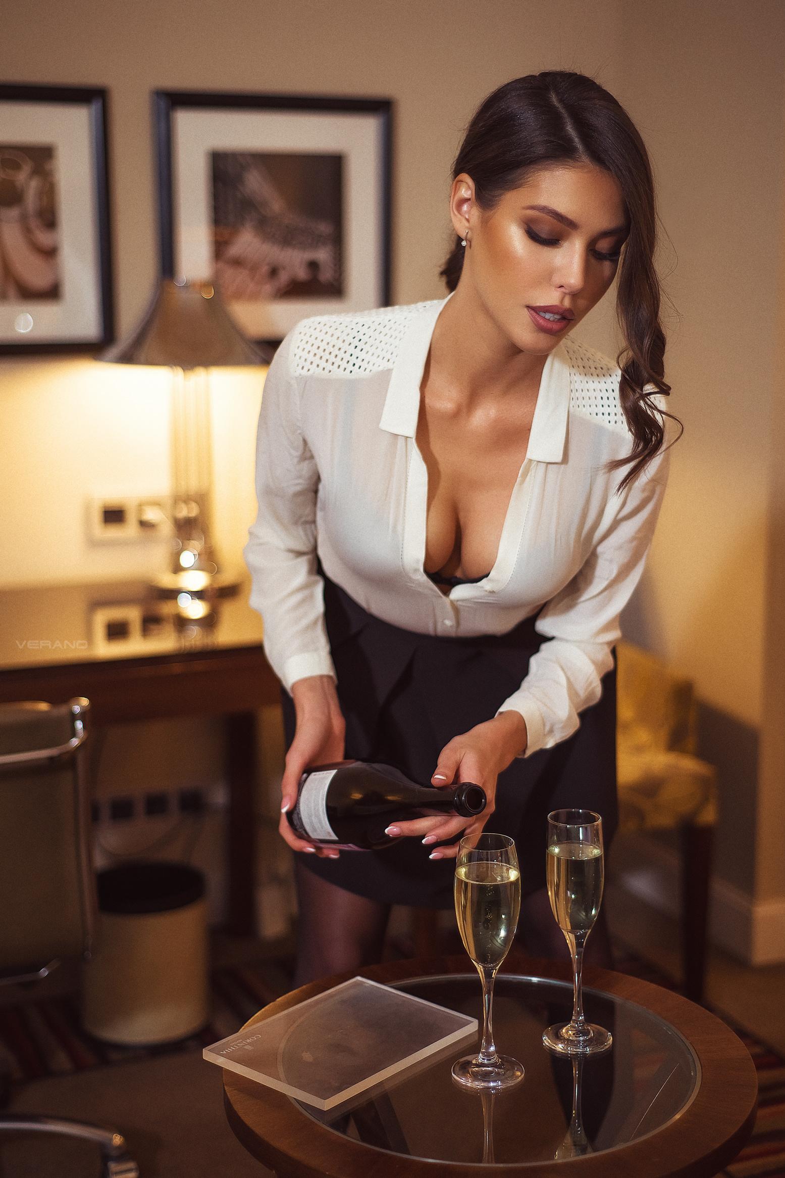 Hot Ladies Undressing