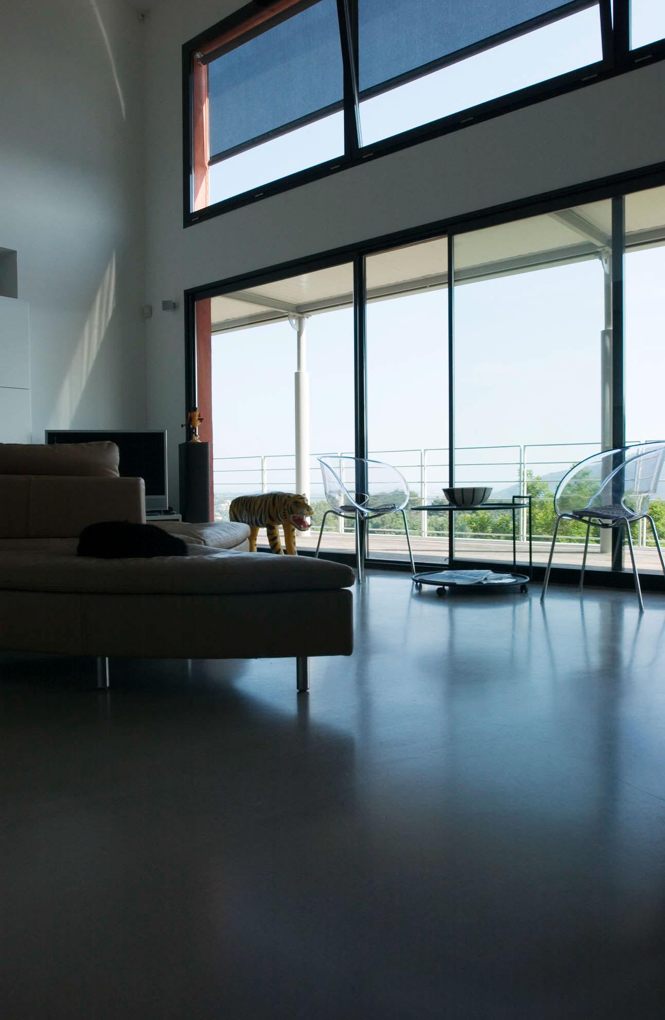 Beautiful Maison Moderne Avec Grande Baie Vitree Contemporary ...