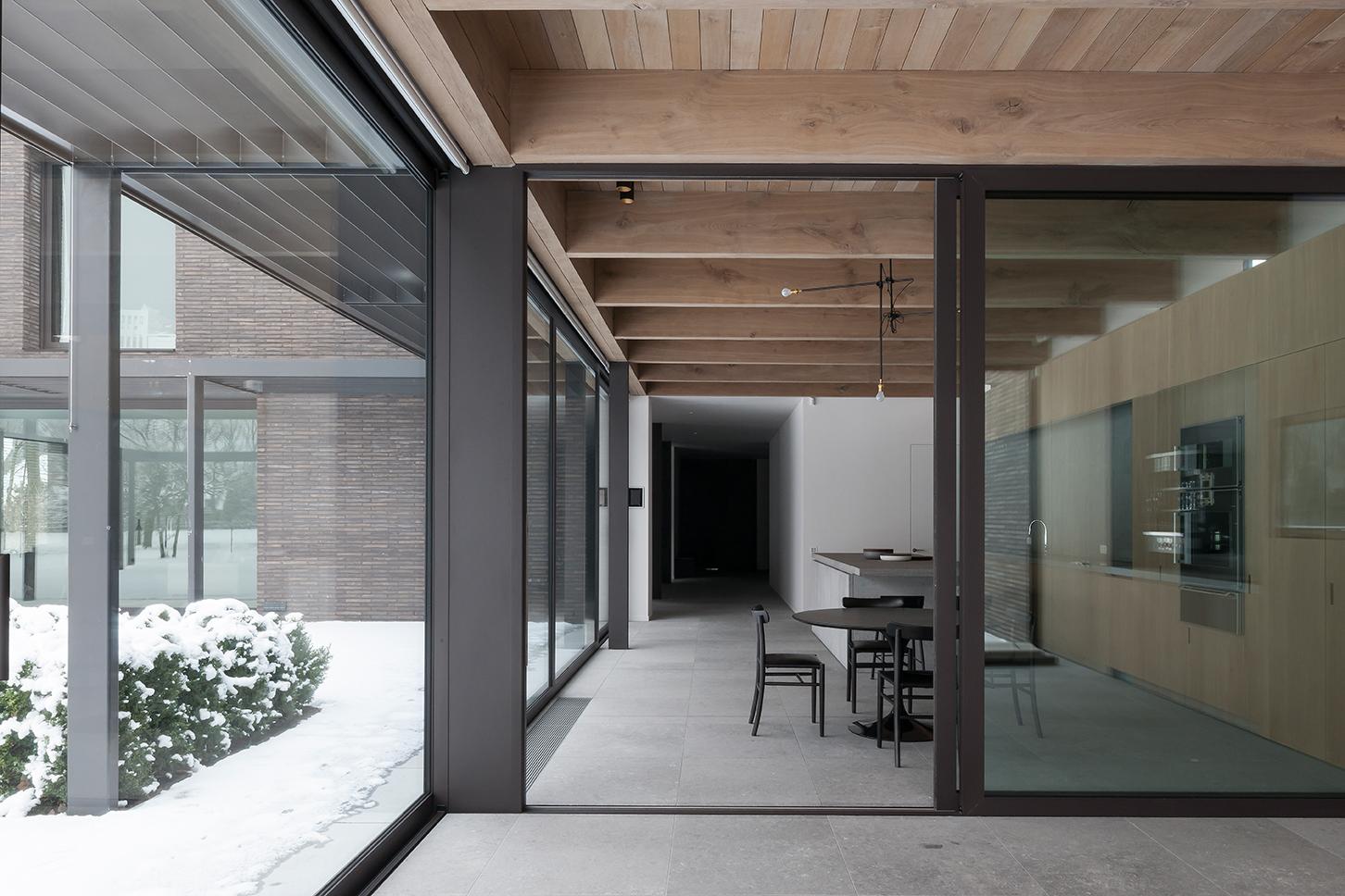 eggermont natuursteen dd residence. Black Bedroom Furniture Sets. Home Design Ideas