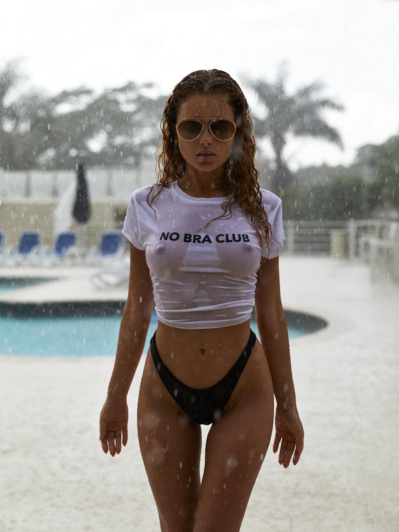 No bra
